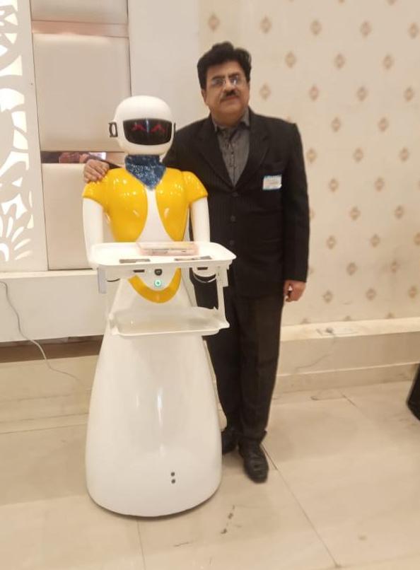 robot waiter for restaurants